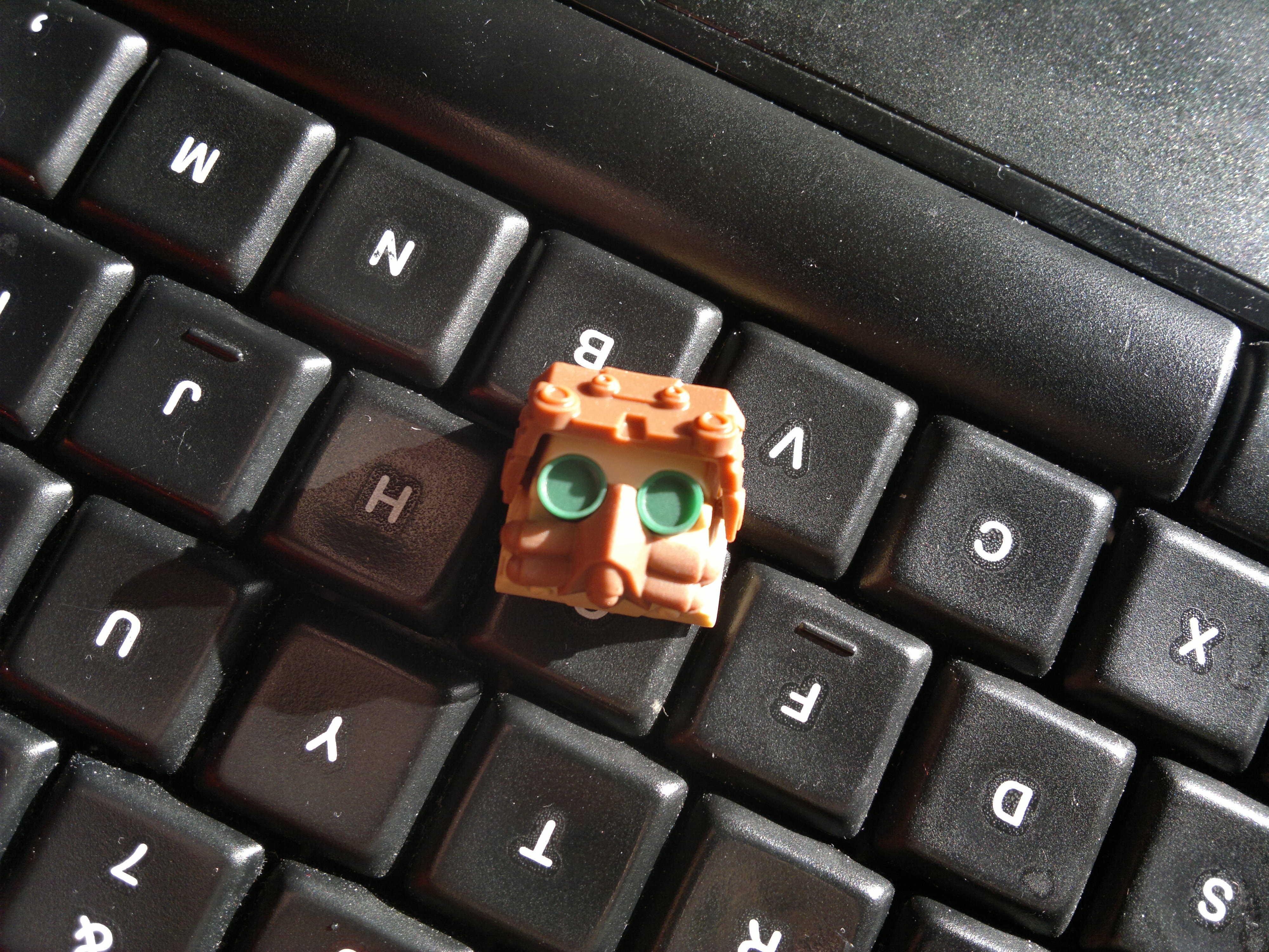 Artisan Keycap Spotlight: Hot Keys Project